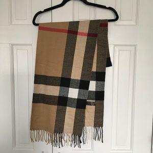 NWOT Tartan Style Cashmere Scarf